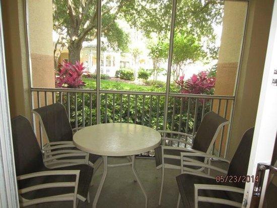 Sheraton Vistana Resort Villas- Lake Buena Vista : Enclosed Patio