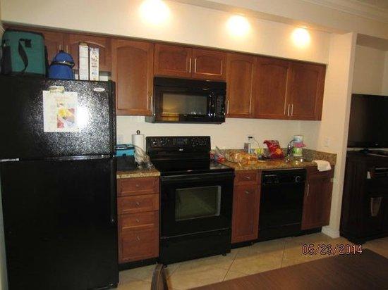 Sheraton Vistana Resort Villas- Lake Buena Vista : Kitchen in One Bedroom Villa