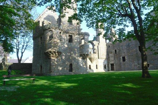 The Earl's Palace: En una tarde soleada