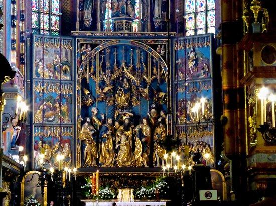 Church of the Virgin Mary (Kosciol Mariacki): Main Alter  made by Veit Stoss
