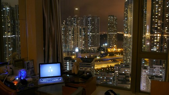 Dorsett Mongkok Hong Kong: Lovely view form our room on higher floor