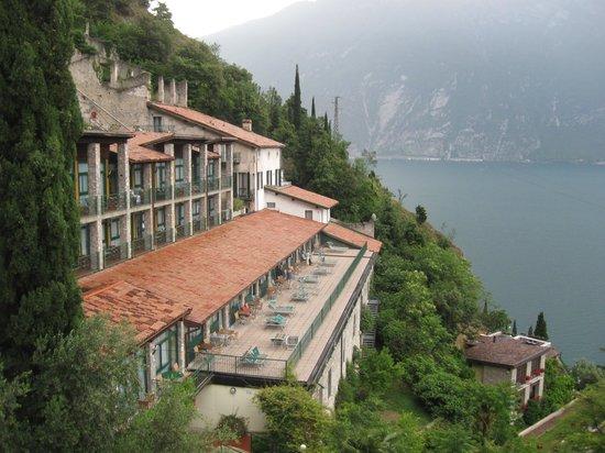 Centro Vacanze La Limonaia: otel/villaggio in collina con vista fantastica (arredi spartani)