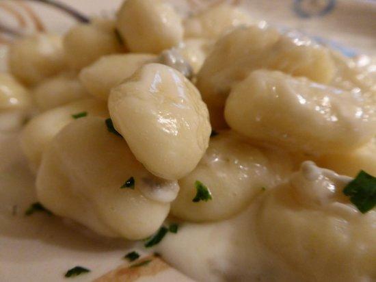 Trattoria Nella: Gnocci in gorgonzola sauce