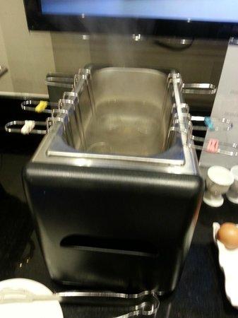 BEST WESTERN Pontypool Metro Hotel: Egg boiler..