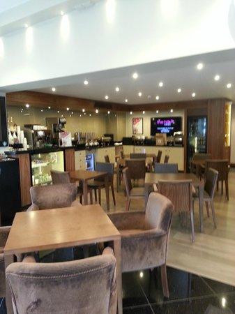 BEST WESTERN Pontypool Metro Hotel: Reception/ Breakfast area