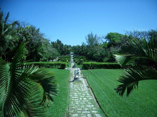 The Cloisters Nassau : View of Versailles Gardens