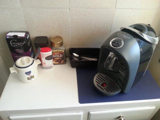Liberdade Guesthouse : Cafetera de la cocina