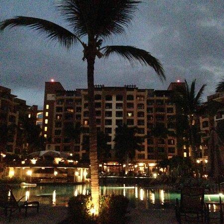 Villa La Estancia Beach Resort & Spa Riviera Nayarit: Cae la noche en Villa La Estancia