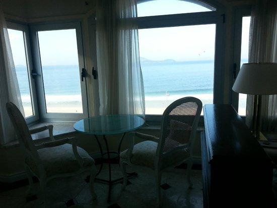 Sofitel Rio de Janeiro Ipanema: Esta era a nossa vista da praia