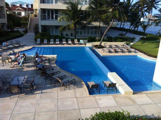The Phoenix Resort: Pool view from balcony
