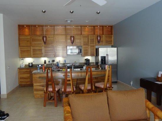 The Phoenix Resort : Kitchen