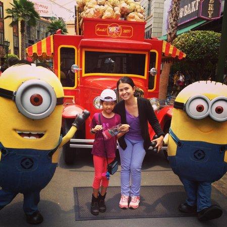 Universal Studios Singapore: ถ่ายรูปกับมินเนี่ยน