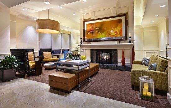 Hilton Garden Inn Omaha Downtown / Old Market Area: Welcoming Lobby