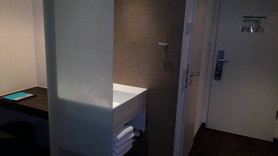 Motel One Frankfurt-Niederrad: Zimmer 122