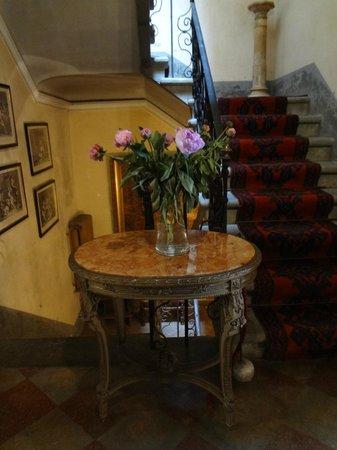 Hotel Fabbrica di San Martino : Detalle del interior de la casa principal