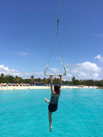 Random Wind: Tarzan Swing at Mullet Bay
