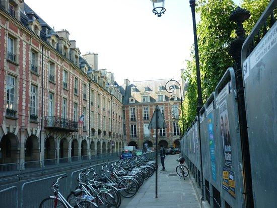 Place des Vosges: Vista Horrível