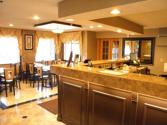 Baymont by Wyndham Lancaster: Hotel Lobby