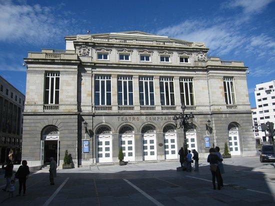 Teatro Campoamor: Fachada