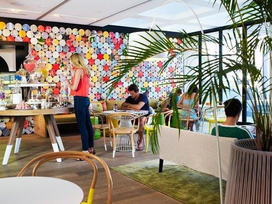QT Gold Coast : FIXX Cafe