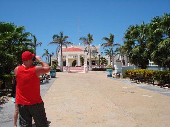 Sol Cayo Santa Maria : the pueblo