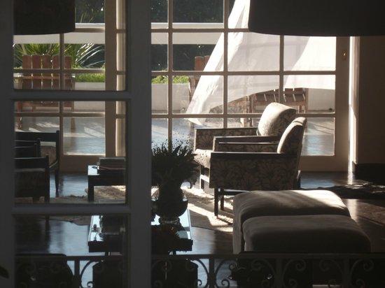 Casa Mosquito: Le salon traversant de l'hôtel
