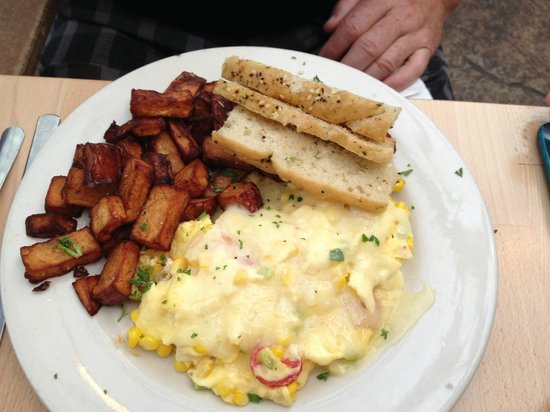 Sunny Point Cafe: Roasted Corn & Vidalia Special with spuds & focaccia