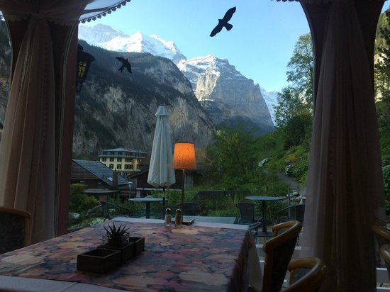 Hotel Silberhorn: view from the breakfast room in the morning