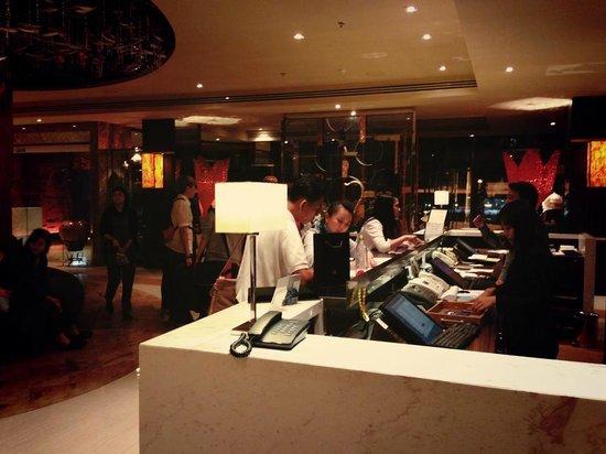 Tongtara Hotel: Hotel reception area