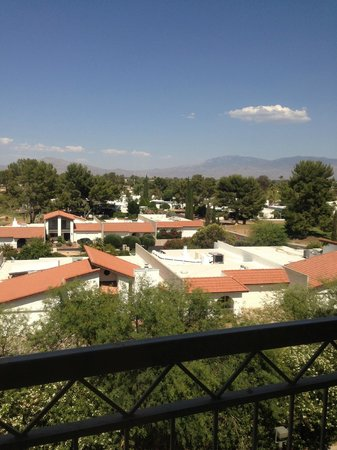 Radisson Suites Tucson: View from Room