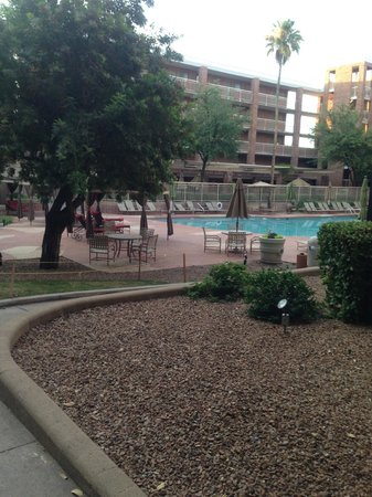Radisson Suites Tucson: Pool