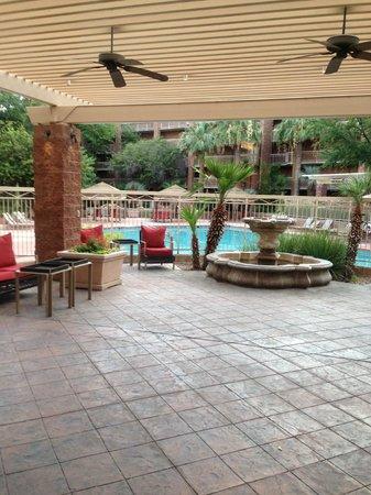 Radisson Suites Tucson: Pool area