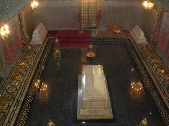 Mausolée de Mohammed V : The grave