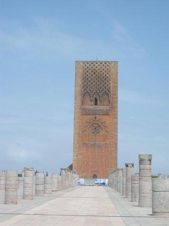 Mausolée de Mohammed V : Minaret of the mosque