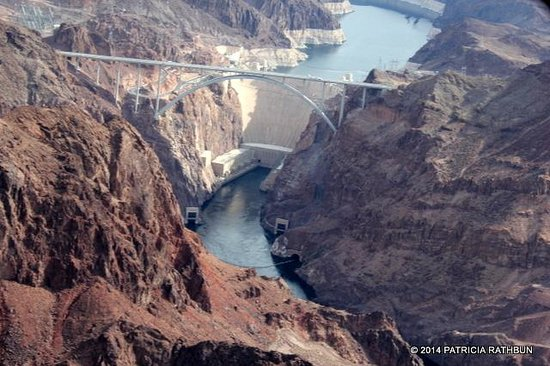 5 Star Grand Canyon Helicopter Tours: Hoover Dam
