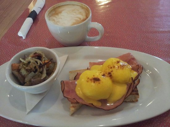 Owl's Nest Bakery and Bistro: real freakin holidays