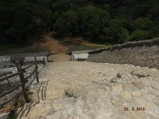 Ek Balam Mayan Ruins : The way down