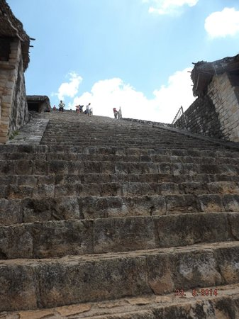 Ek Balam Mayan Ruins : The way up