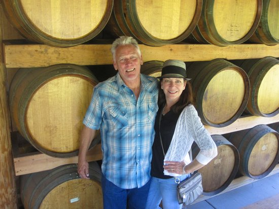 Wine Hopper Tours: Red Lily Vineyard