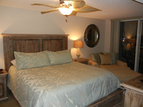 South Shore Villas: Master Bedroom