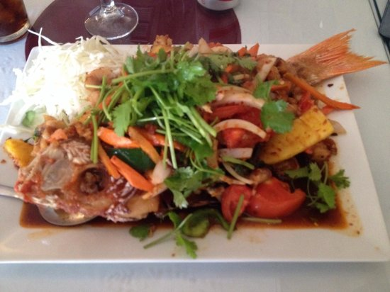 Reangthai Thai Restaurant: Thai Snapper. Don't let it scare you. It's bursting with flavor!