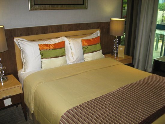 The Residence At Singapore Recreation Club: A VERY COMFY BED