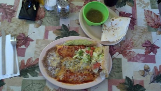 Mesilla Park, Нью-Мексико: Mexican Plate@ Bravo's Cafe