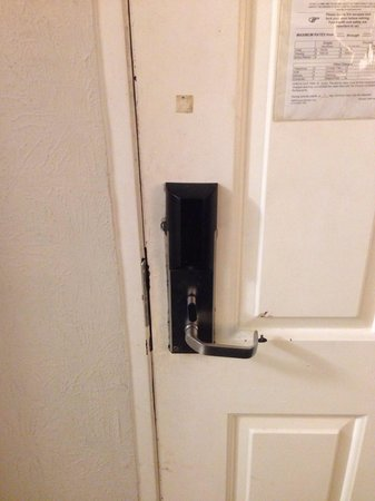 Baymont Inn & Suites Orange Park Jacksonville: Let's hope this keeps us safe tonight! Our room faces the highway.