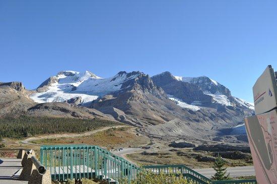 The Glacier View Inn: Icefields