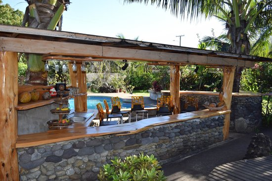 Chez Maria Goretti : Pool and Pool Bar