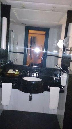 Pestana Convento do Carmo: Banheiro