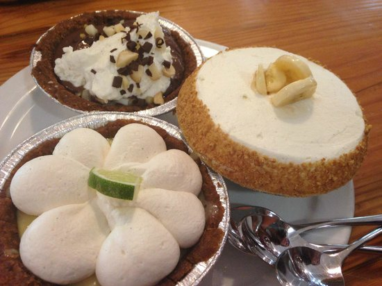 Leoda's Kitchen and Pie Shop: Olowalu Lime, Macnut Choc, Banana Cream