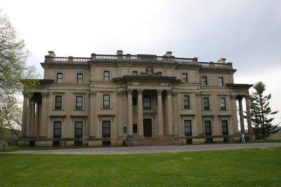 Vanderbilt Mansion National Historic Site: The Vanderbilt Mansion