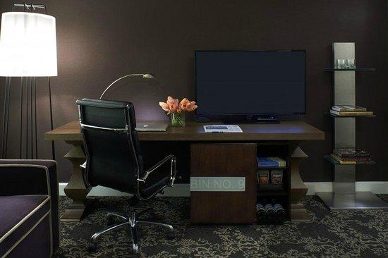 King Reserve Room Desk